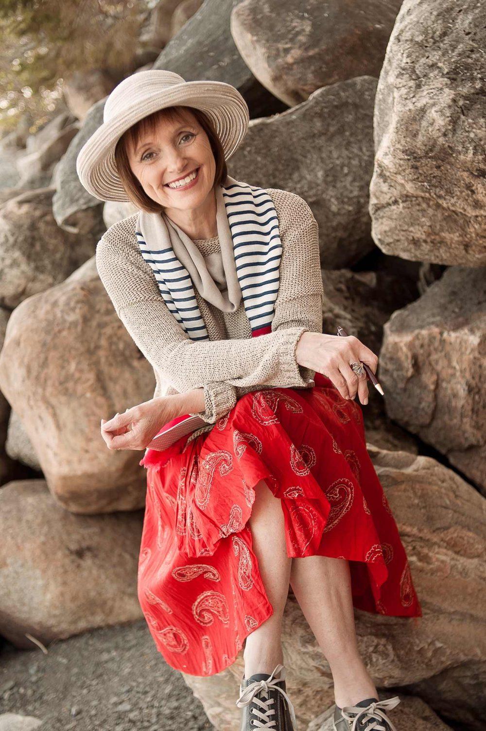 Portrait de l'auteur Marité Villeneuve pour site web et publications / Séance photo extérieure