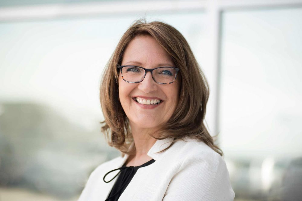 Portrait de Diane Clement, femme d'affaire à l'extérieur /  SMI Performance, Donnacona