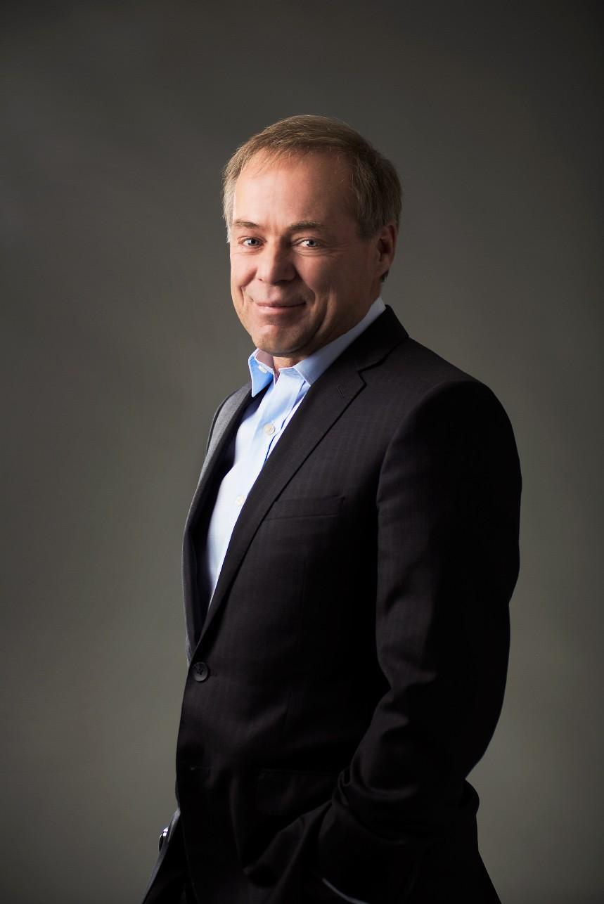 Portrait d'un homme d'affaire en studio / Photographie corporative dans Portneuf, Québec