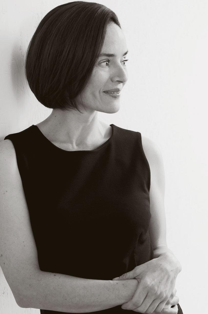 Portrait d'une femme tiré de la séance cadeau de son amoureux / photographie noir et blanc