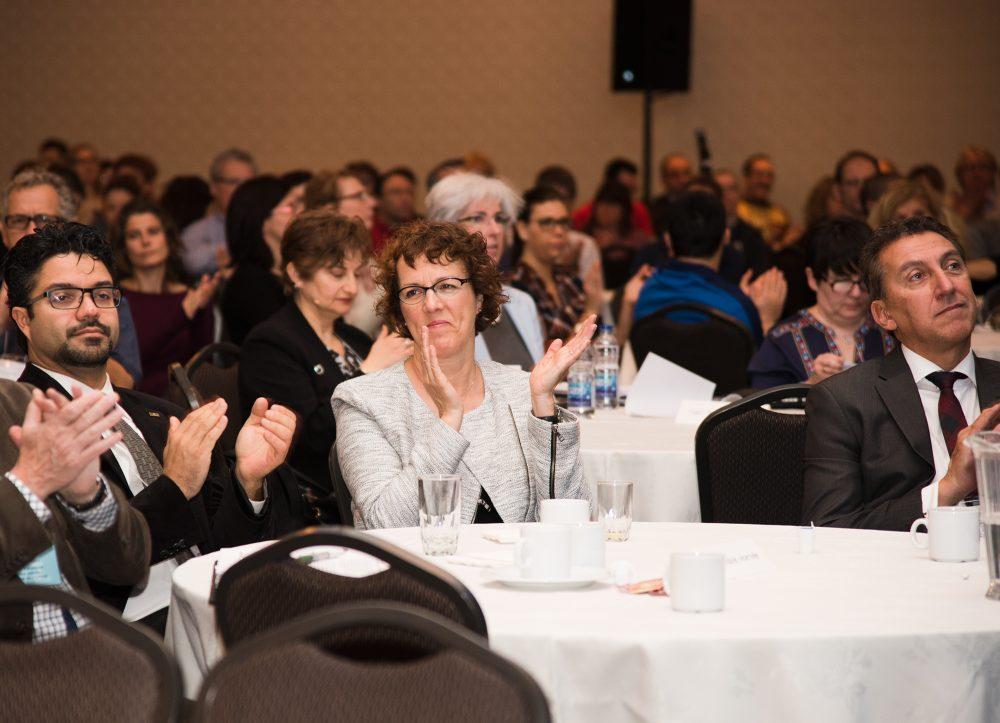 Photographie de l'audience durant une conférence de spécialistes de la santé / Ordre professionnel de la physiothérapie du Québec