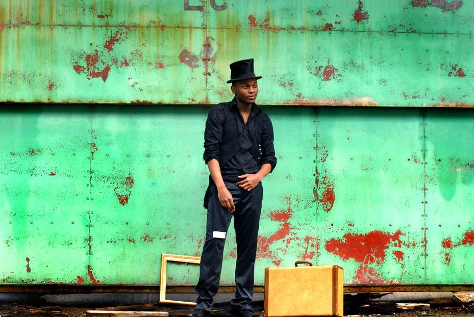 Photographie dans un style steampunk avec un décor industriel / Portrait de création thématique